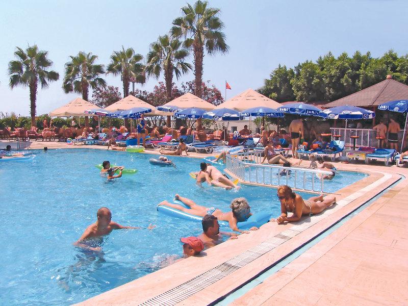 Pool am Hotel Doris Aytur