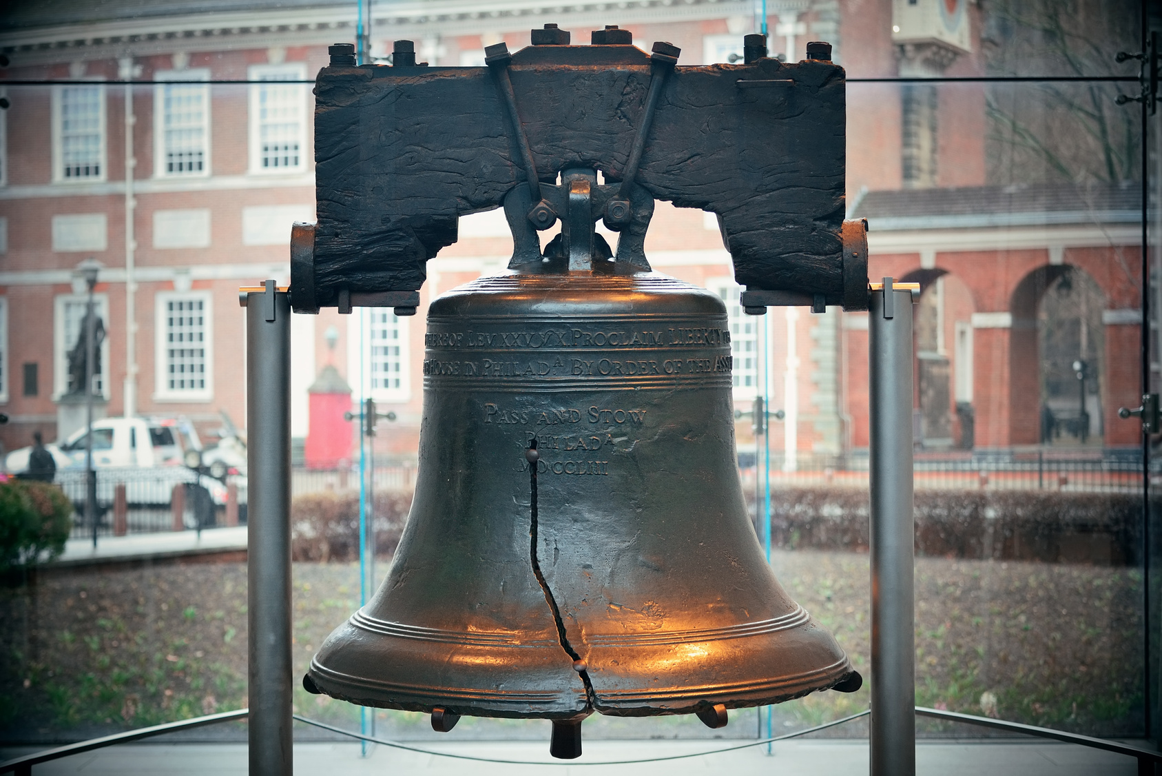 Liberty Bell und Independence Hall in Philadelphia