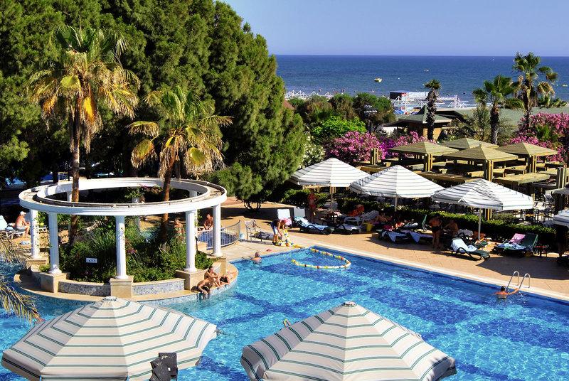 Pool am Hotel Oleander