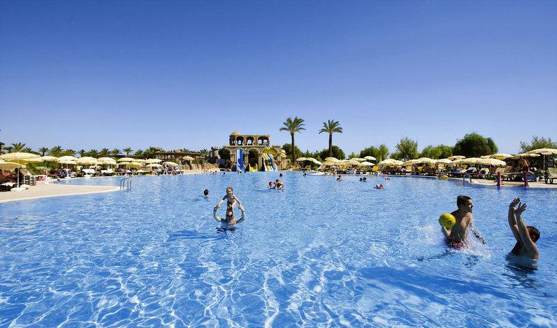 Pool im Hotel Felicia in der Türkei