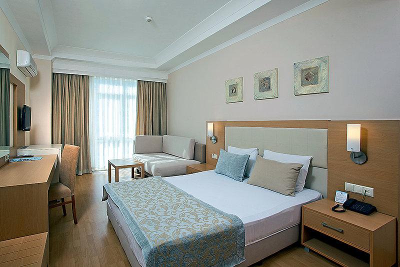 Hotelzimmer im Titan Select