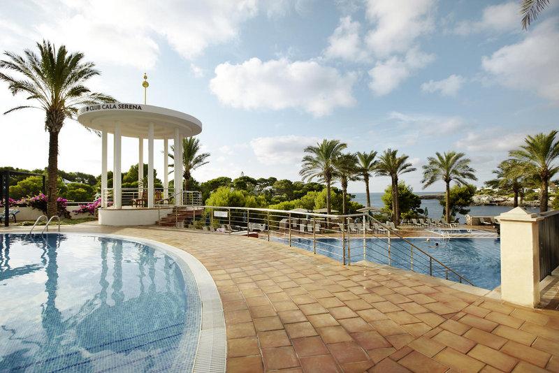 Pool im Robinson Club Cala Serena