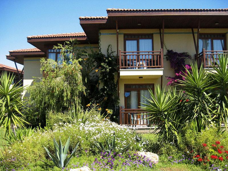 Bungalows im Hotel Felicia Village
